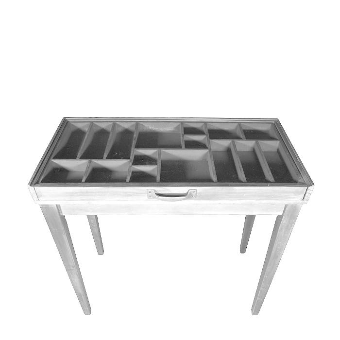 1/2 tavolo espositivo in legno bianco e vetro 44 x 85 h78.5 cm
