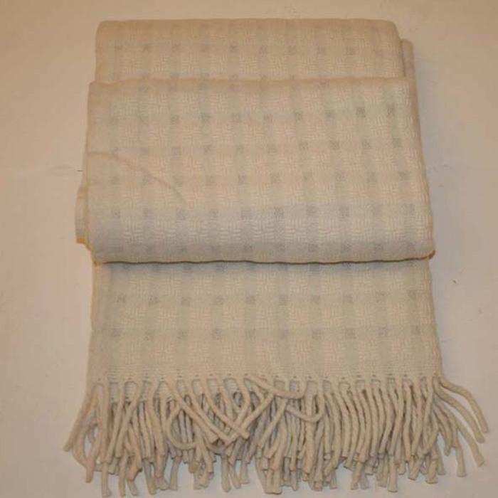 100% merino wool blanket cream/silver colour 190x130 cm
