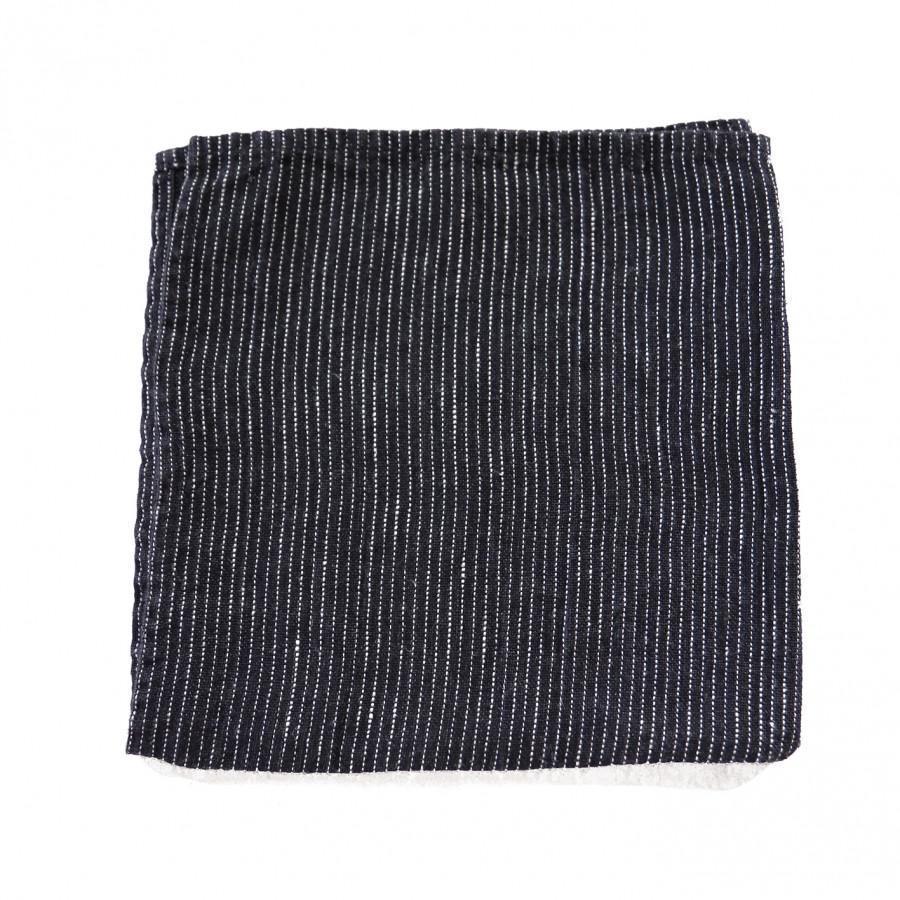 Serviette en 100% lin couleur noir avec hachures blancs 40 x 40 cm