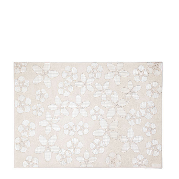 Plastic cream placemat with drilled flowers 35 x 48 cm