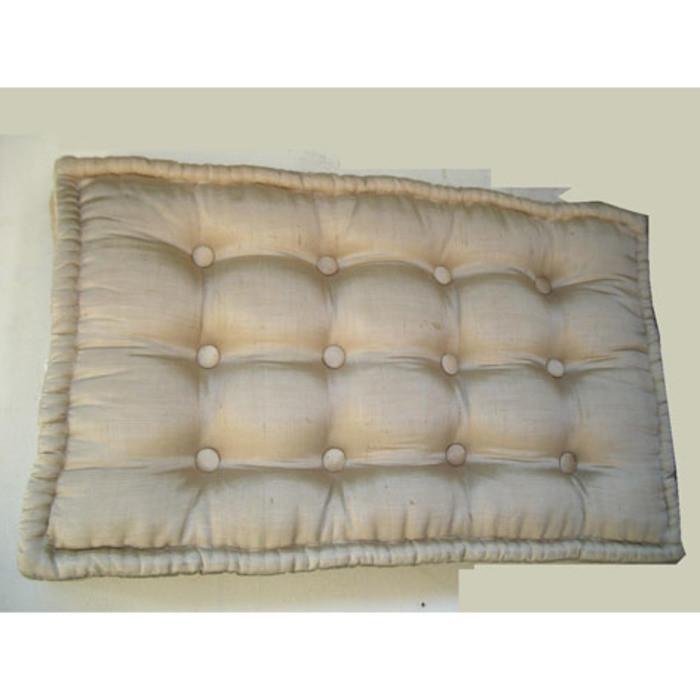 Cuscino 100% seta dorata con bottoni 41x68 h8 cm