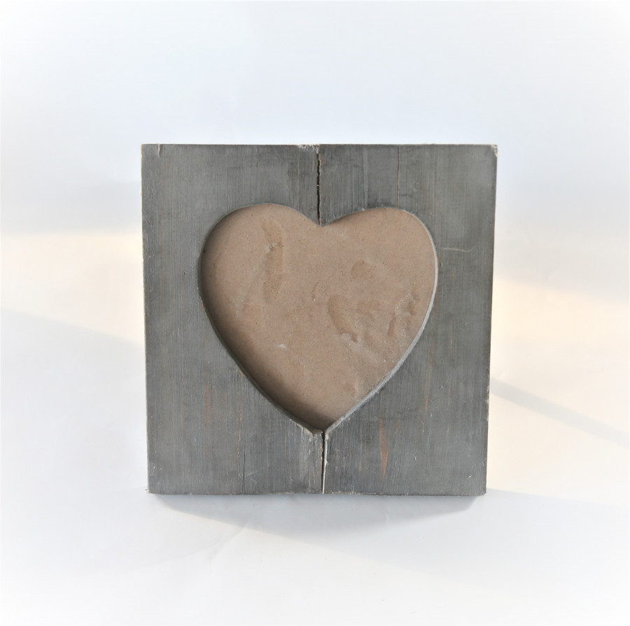 Cornice in legno con cuore 21.5 x 21.5 cm