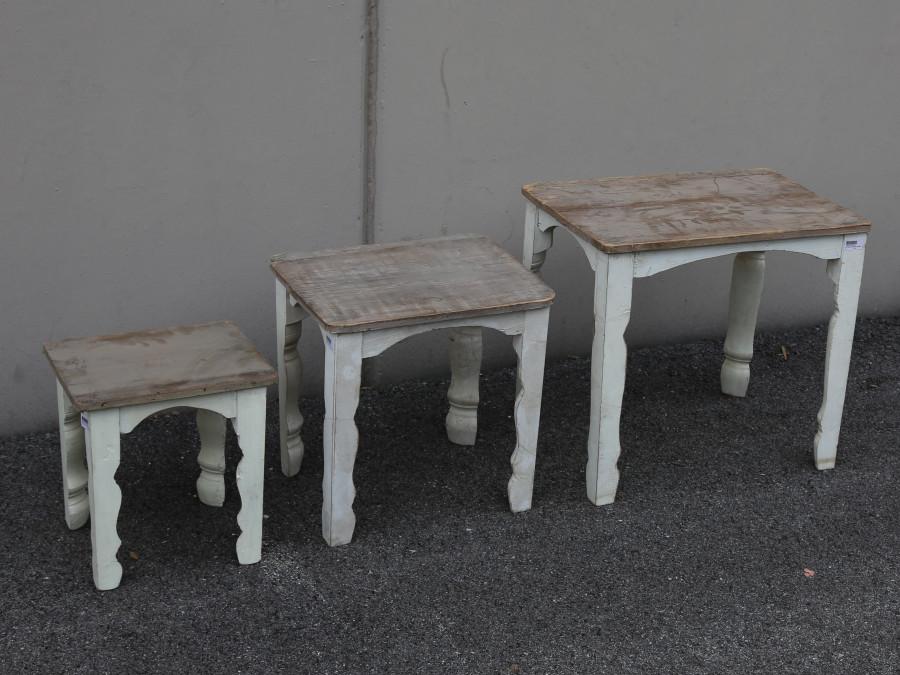 Set 3 tavolini legno vintage 57 x 40 h50 cm