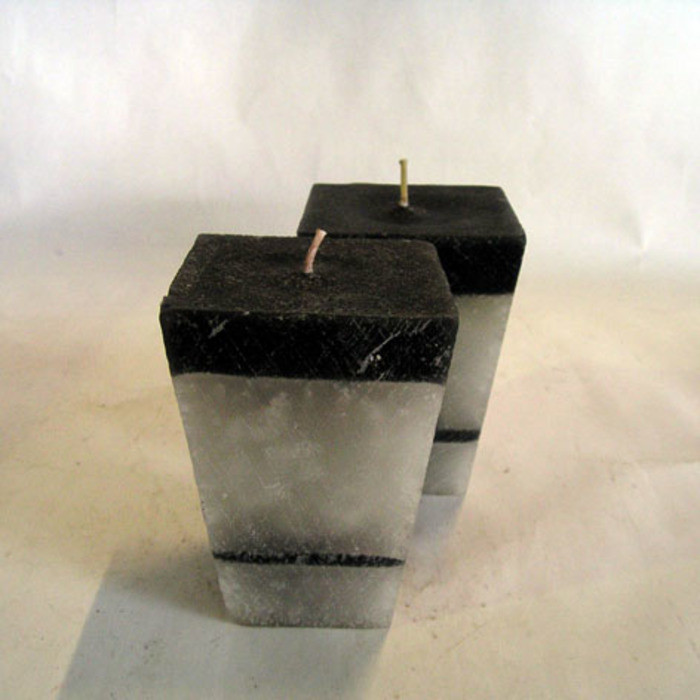 Confezione 2 candele nero e grigio 7 x 7 h10 cm